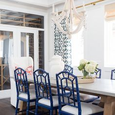 """Studio McGee on Instagram: """"Navy lacquer dining chairs and a stunning bleached wood chandelier...I mean, come on!  Tour is up in the blog! #smdpalisadesproject :@tessaneustadt"""""""