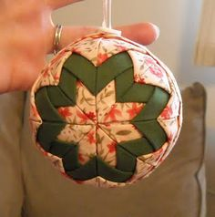 No sew ornament. It's called a quilted ornament but that goes against the grain... no quilting involved. Fabric piecing, yes. Really neat!