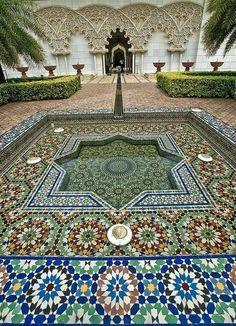 Moroccan Pavillion www.flickr.com/photos/37952925@N06/4553375509