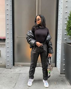 all black never fails 🖤 Street Outfit, Street Wear, Street Clothes, Style Stealer, Latest Fashion For Women, Womens Fashion, Fashion Lighting, Fall Winter Outfits, Fashion Killa