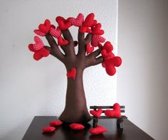 Little felt heart tree <3