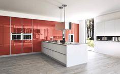 Fly, la cucina in finitura vetro laccato lucido, un ambiente vivo e lucente. #cucine #arredamento #design #kitchens #madeinitaly