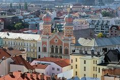 A big city like Prague will have many hotels and B&B for tourist and corporate travelers. What steps should one follow when choosing the right hotel? How to ensure that one makes the right choice?