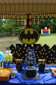 Garcia Silkwood doing this idea for the party:) - Batman Party - Ideas of Batman Party - Garcia Silkwood doing this idea for the party:) Lego Batman Party, Batman Birthday, Superhero Birthday Party, 6th Birthday Parties, Boy Birthday, Birthday Ideas, Batman Party Supplies, Party Ideas, Birthdays