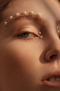 Em Glasser Enchants in Pearls for Vogue Portugal