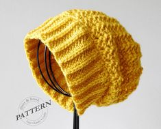 Toddler to Adult sizes/ The Boho Slouchy Beanie is a great knit-look crochet hat that's easy and works up fast. The ribbed brim is reversible and can be folded up for a more fitted hat look. Slouchy Beanie Pattern, Crochet Beanie, Knitted Hats, Knit Crochet, Slouch Beanie, Crochet Crafts, Easy Crochet, Crochet Projects, Knitting Patterns
