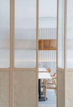 99 good ideas corporate office design make happy worker Interior Design Kitchen, Modern Interior Design, Interior Architecture, Interior Decorating, Futuristic Architecture, Decorating Ideas, Futuristisches Design, Door Design, House Design