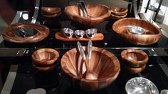 Absolutely gorgeous wooden dishes | Mix it up @Natalie Anastasiaé, via FortyOne Madison