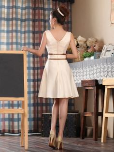 A-line/Princess Straps Sleeveless Bowknot Short/Mini Satin Dresses