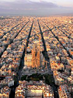 Le bellissime fotografie -proibite- fatte con un drone quadricottero #Barcellona