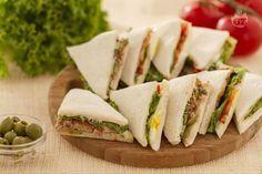 I tramezzini sono un delizioso finger food, realizzati in tantissimi modi diversi, facili da preparare e molto gustosi.