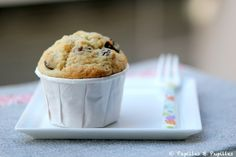 Muffins vanille rhum raisins Recipe In Grams, Snacks Dishes, Small Cake, Sweets Recipes, Cookies Et Biscuits, International Recipes, Cupcake Cakes, Cupcakes, Breakfast Recipes