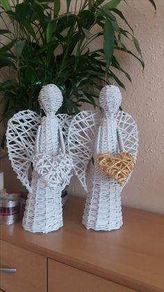 Crochet Earrings, Christmas Ornaments, Holiday Decor, Home Decor, Art, Xmas Ornaments, Homemade Home Decor, Christmas Jewelry, Christmas Ornament