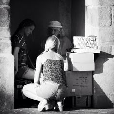 1-2-3 fortune telling #streetphotography