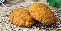 Biscuiti cu morcov pentru copii: http://clubulbebelusilor.ro/articol/1475/biscuiti-cu-morcov-pentru-copii-de-la-1-an.html