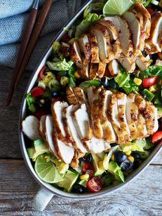 One pot wonder - lettvint gryterett - Mat På Bordet Tex Mex, Nachos, Cobb Salad, Nom Nom, Food And Drink, Meat, Chicken, Dinner, Baking