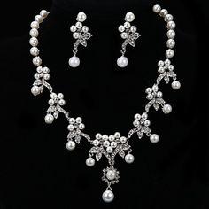 Fashion Flower Diamond Jewelry Set(Necklace,Earrings) – AUD $ 34.44