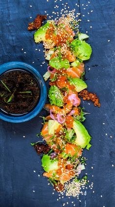 Salmon Sashimi with ginger ponzu Raw Food Recipes, Fish Recipes, Asian Recipes, Cooking Recipes, Healthy Recipes, Enjoy Your Meal, Recipes From Heaven, Fish And Seafood, Food Presentation