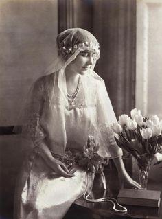 royaland:  Elisabeth the Queen Mother, beautiful bride  Actually, as bridesmaid of Princess royal Mary