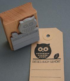 """Für Leseratten: Stempel mit Eule und dem Spruch """"Dieses Buch gehört"""" / Stamp with owl and statement """"This book belongs to"""" by perlenfischer via DaWanda.com"""