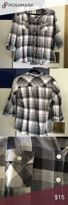 Billie Black and White Cotton Shirt Nollie Black and white cotton shirt slim fit. Size extra-large but would fit large or medium size. Super comfy. Great to rock any day. Nollie Tops Button Down Shirts