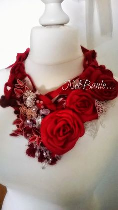 Nel baule di Marci creazione,scarf,feltro,necklace,rose rosse,red,bijou textil,