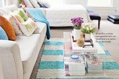 Um pequeno e colorido apartamento. Veja: http://www.casadevalentina.com.br/blog/materia/um-pequeno-universo-colorido.html  #decor #decoracao #interior #design #color #cores #ideia #idea #casadevalentina #living #sala #bedroom #quarto