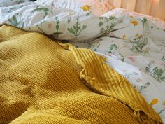 A yellow blanket. Yellow is sunshine. Yellow is a smile. Yellow is happiness. My favourite colour is Yellow. Oh God, No! Yellow is more than a favourite colour. I want to be Yellow. My New Room, My Room, Dorm Room, Floral Bedding, Linen Bedding, Yellow Bedding, Bed Linens, Bedding Sets, Bedroom Yellow