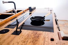 Increased induction combined with old wood worktop! Induction hob combined with . - Wood DIY ideas Increased induction combined with old wood worktop! Induction hob combined with …, Diy Furniture Plans, Kitchen Furniture, Furniture Decor, Furniture Design, Farmhouse Remodel, Farmhouse Decor, Woodworking Bench Plans, Old Wood, House In The Woods