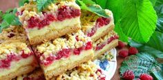 Grated raspberry cake with custard Pudding Desserts, Custard Desserts, Baking Recipes, Cake Recipes, Dessert Recipes, Czech Desserts, Czech Recipes, Easy Cake Decorating, Brownie Cake