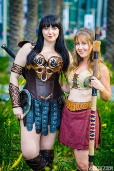 Xena (Bernadette Bentley) and Gabriella #cosplay — #WonderCon2015 #YorkInABox