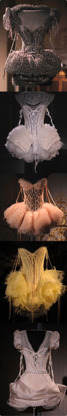 Don't these look more like tutus than lingerie? House of Worth {Charles Frederick Worth} via CourtWorth — their Haute Couture lingerie collection, designed by Giovanni Bedin. Betsey Johnson, House Of Worth, Vintage Outfits, Vintage Fashion, Edwardian Fashion, Look At My, Look Fashion, Fashion Design, Gothic Fashion