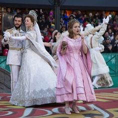A Look at Dear Evan Hansen, Anastasia, and More at the Thanksgiving Day Parade Anastasia Costume, Anastasia Broadway, Anastasia Musical, Heathers Broadway, Theatre Geek, Music Theater, Broadway Theatre, Musicals Broadway, Princesa Anastasia