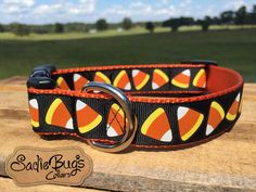 This large print candy corn dog collar is perfect for Fall and Halloween. Choose…