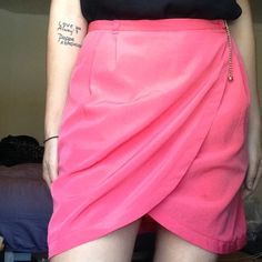 Tulip Skirt Cute, tulip style pencil skirt with ball and chain detail as well as pockets (heck yeah! Skirts with pockets ) H&M Skirts Pencil