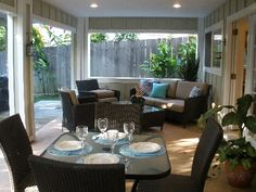 Hideaway - short walk to Kailua Beach..rent this house for second half at Oahu???
