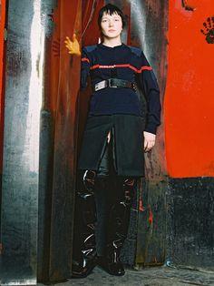 Demma Gvasalia による Vetements 20150-16年秋冬コレクション。モデルはスタイリストの Lotta Volkova (ロッタ・ヴォルコヴァ) | Image via vetementswebsite.com