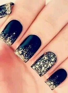 Black Nails with Gold pikments
