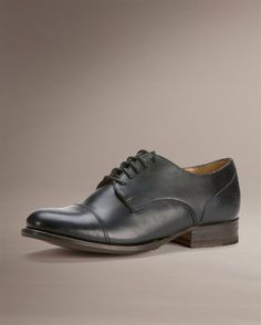 simple oxfords