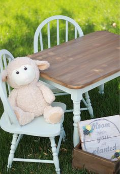 Weathered Wood Chalk Paint Tutorial using BBFrosch #chalkpaintpowder #chalkpaint #bbfrosch