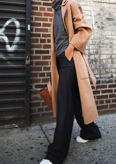 17 new ideas fashion casual street minimal chic. camel coat look Mode Outfits, Fashion Outfits, Womens Fashion, Fashion Trends, Teen Outfits, Workwear Fashion, Dressy Outfits, Fashion Weeks, Fashion Bloggers