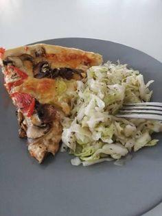 Λάχανο σαλάτα με κρασί (συνοδευτικό για πίτσα) Cabbage, Meat, Chicken, Vegetables, Food, Essen, Cabbages, Vegetable Recipes, Meals
