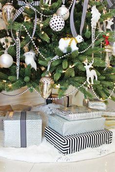 AM Dolce Vita: Holiday Home Tour, black white and pink Christmas tree, DIY sharpie ball ornaments, Kelly Wearstler Channels, bird ornament, ribbon on Christmas tree, Ikea Vinter 2015, GlucksteinHome Christmas decor