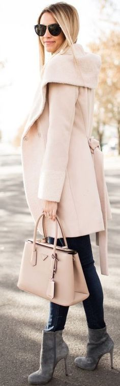 Fall fashion | Chic pastel coat, heeled ankle boots and denim