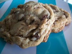 Cooking with Cristine: Chocolate Chunk Pecan Cookies