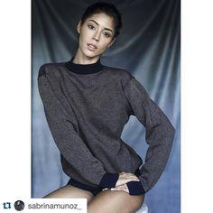 No te pierdas el nuevo Book de nuestra profesora de pasarela y TOP Model venezolana Sabrina Muñoz #model #modelbook #shooting #photoshoot #polaroid #fotoposevenezuela