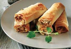 Crunchy meat rolls Great idea for a buffet! Finger Food Appetizers, Finger Foods, Meat Rolls, Tasty, Yummy Food, Breakfast Snacks, Food Categories, Falafel, Spanakopita