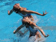 Photo d'actualité : Russian synchro swimmers compete to win gold in...