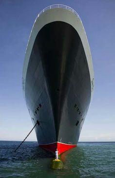 Queen Mary ship & the Captain