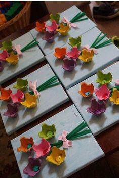Painted flowers on canvas M BD Blumen, Blumenstrauss basteln aus Eierkarton. - Painted flowers on canvas M BD Blumen, Blumenstrauss basteln aus Eierkarton. Süsses Bild DIY b - Kids Crafts, Spring Crafts For Kids, Summer Crafts, Preschool Crafts, Holiday Crafts, Art For Kids, Diy And Crafts, Recycled Crafts Kids, Mothers Day Crafts For Kids